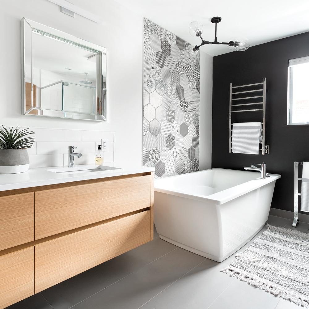 Géométrie scandinave dans la salle de bain