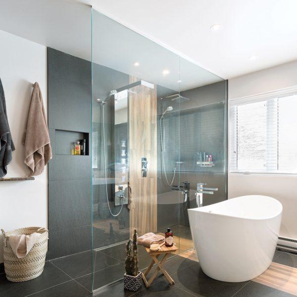 Un havre moderne dans la salle de bain