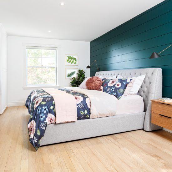 Une chambre farmhouse colorée