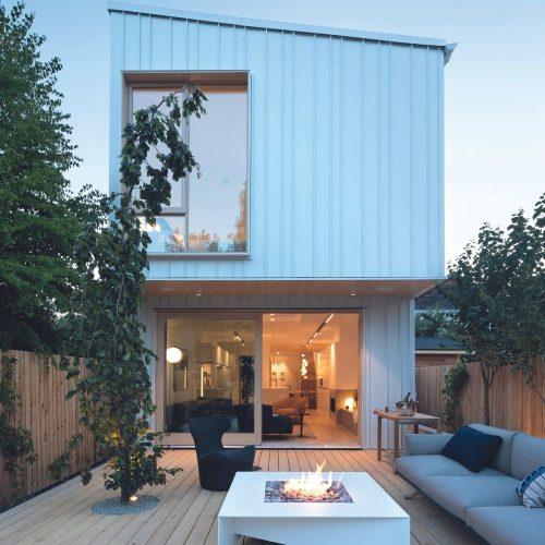 Visite de maison: design moderne pensé pour la famille