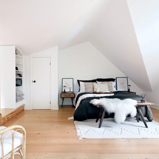 Chambre confortable avec beaucoup de rangement