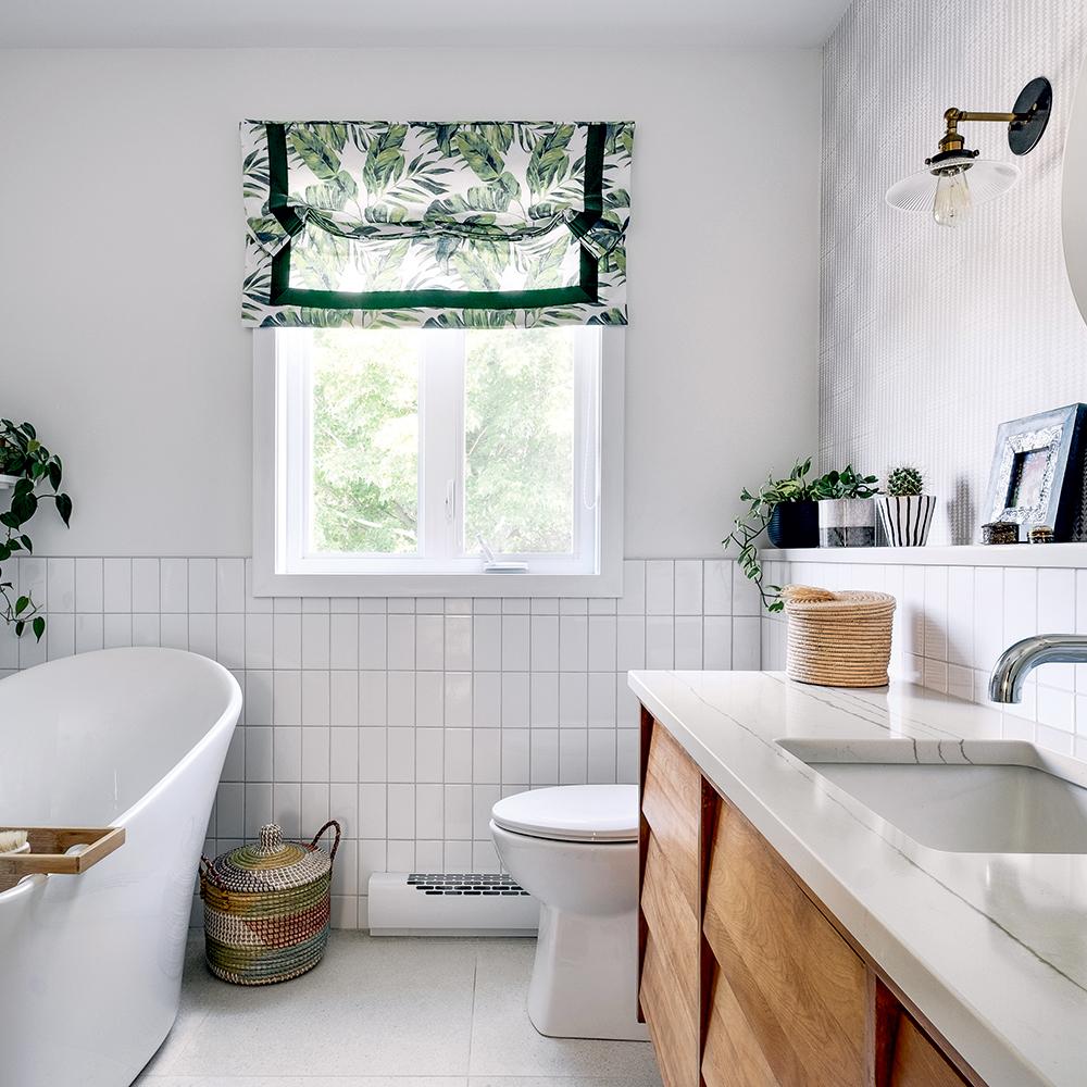 Allure «mid-century modern» dans la salle de bain