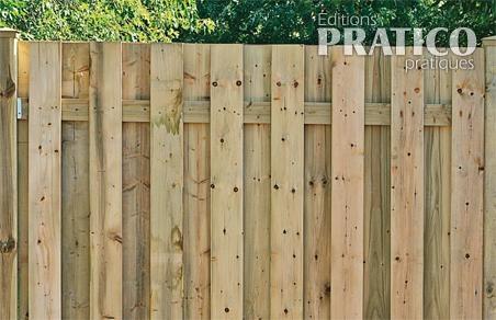 Comment construire une clôture 3 - Poser le recouvrement - Je Jardine