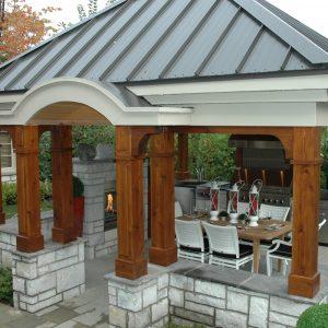Terrasse sous le pavillon