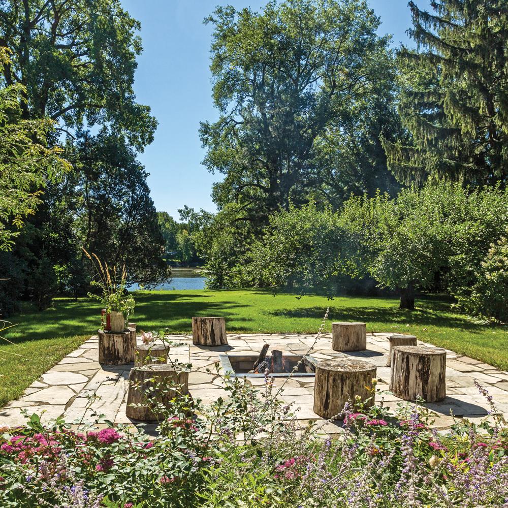 terrasse pierre et bois je jardine. Black Bedroom Furniture Sets. Home Design Ideas