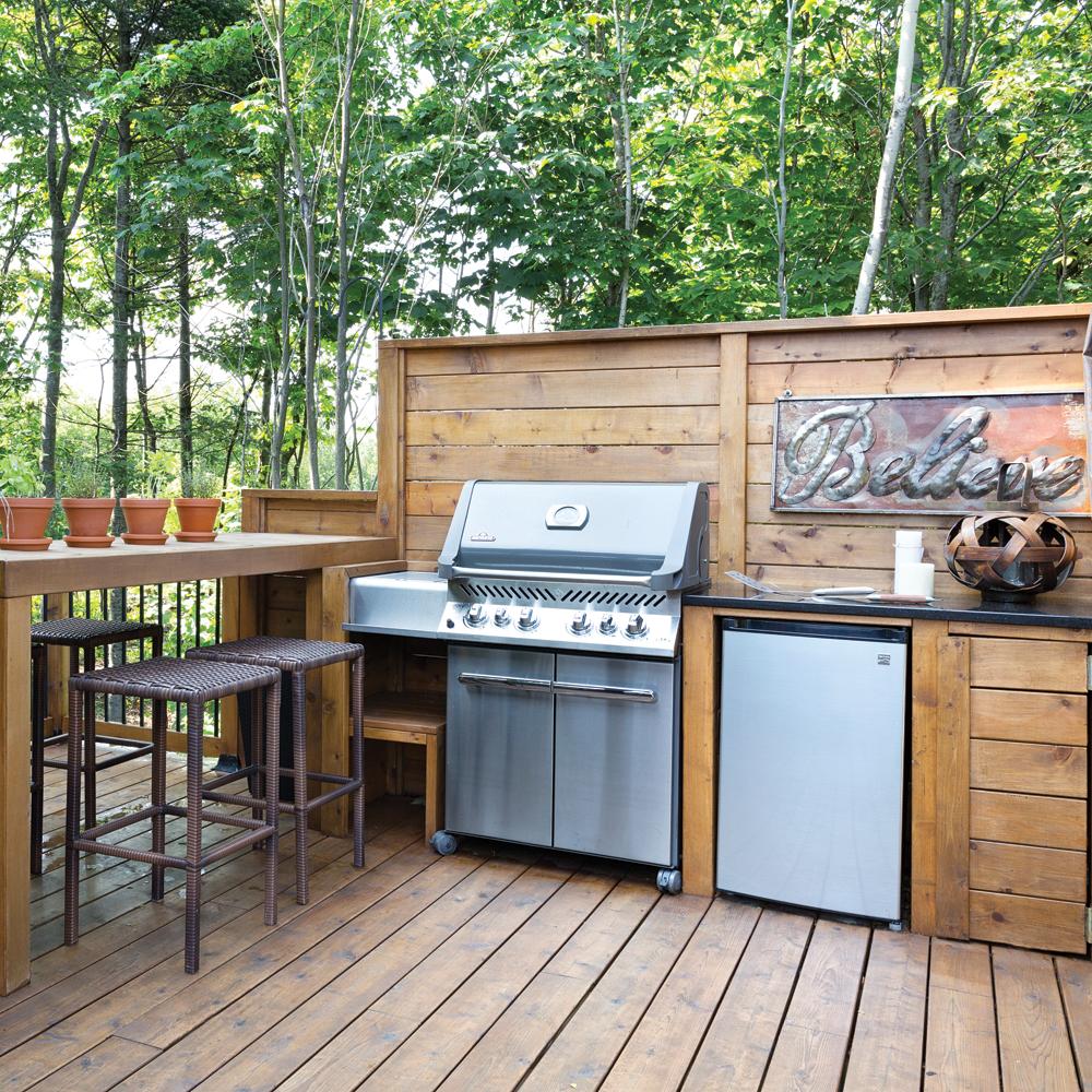 Inspiration cuisine d 39 t toute en bois je jardine - Cuisine d ete amenagement ...