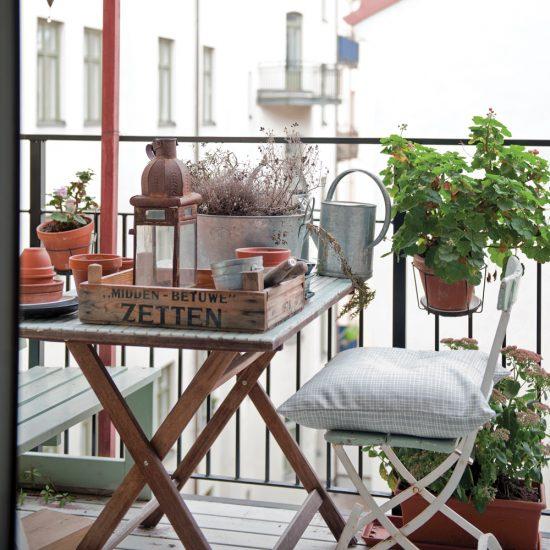 Balcon étroit et fonctionnel