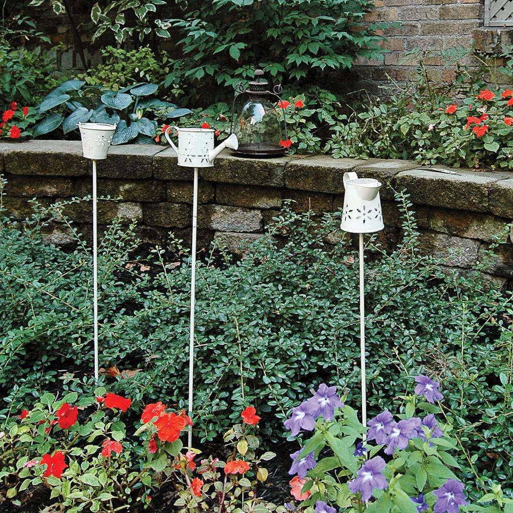 Mignonnes décorations pour le jardin faites avec des objets simples