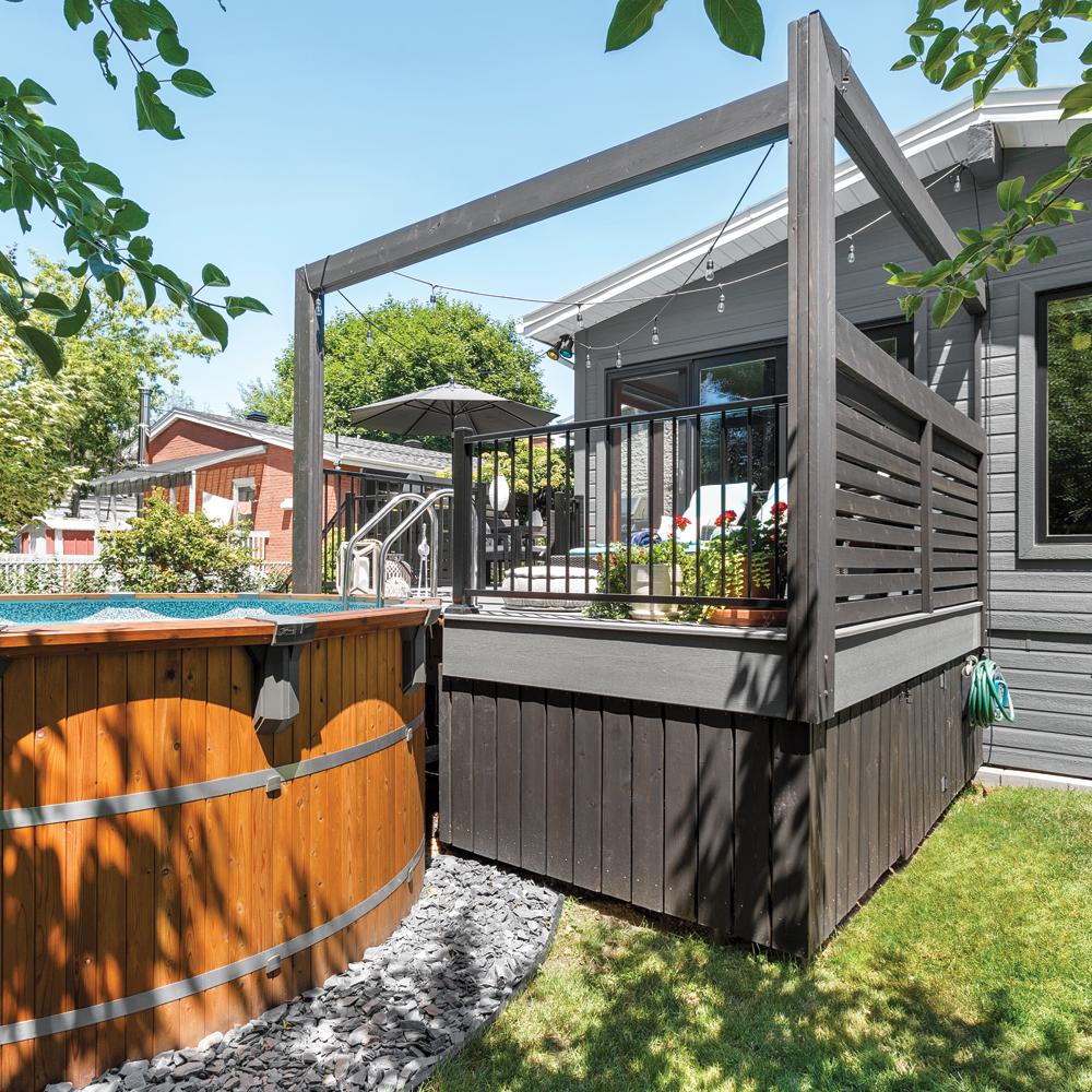 Un patio hybride et sans entretien