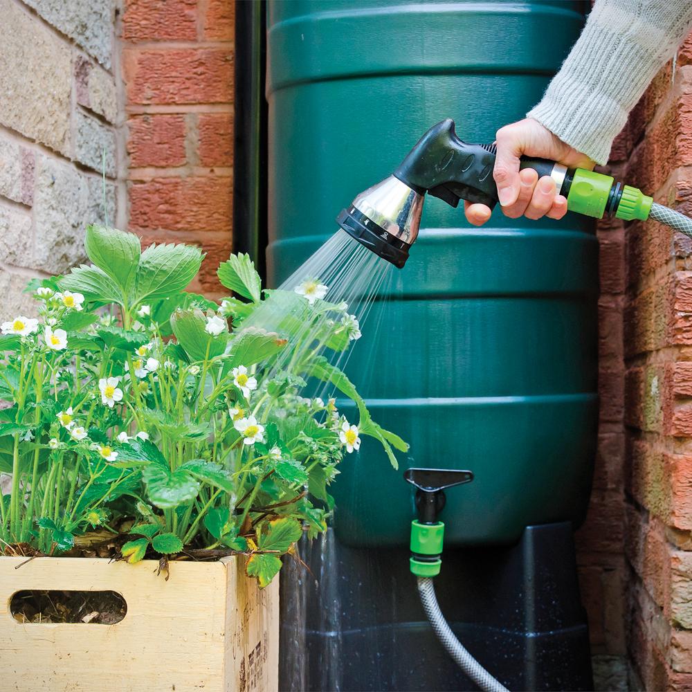 Récupérer l'eau de pluie pour arroser son jardin