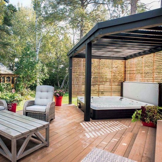Les clôtures et les écrans en bois pour assurer l'intimité