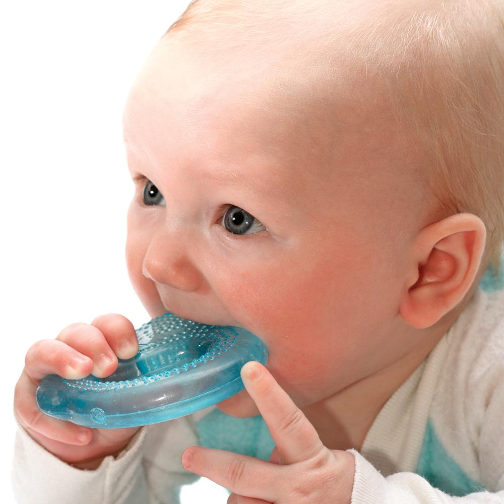 Les signes de la première dent de bébé