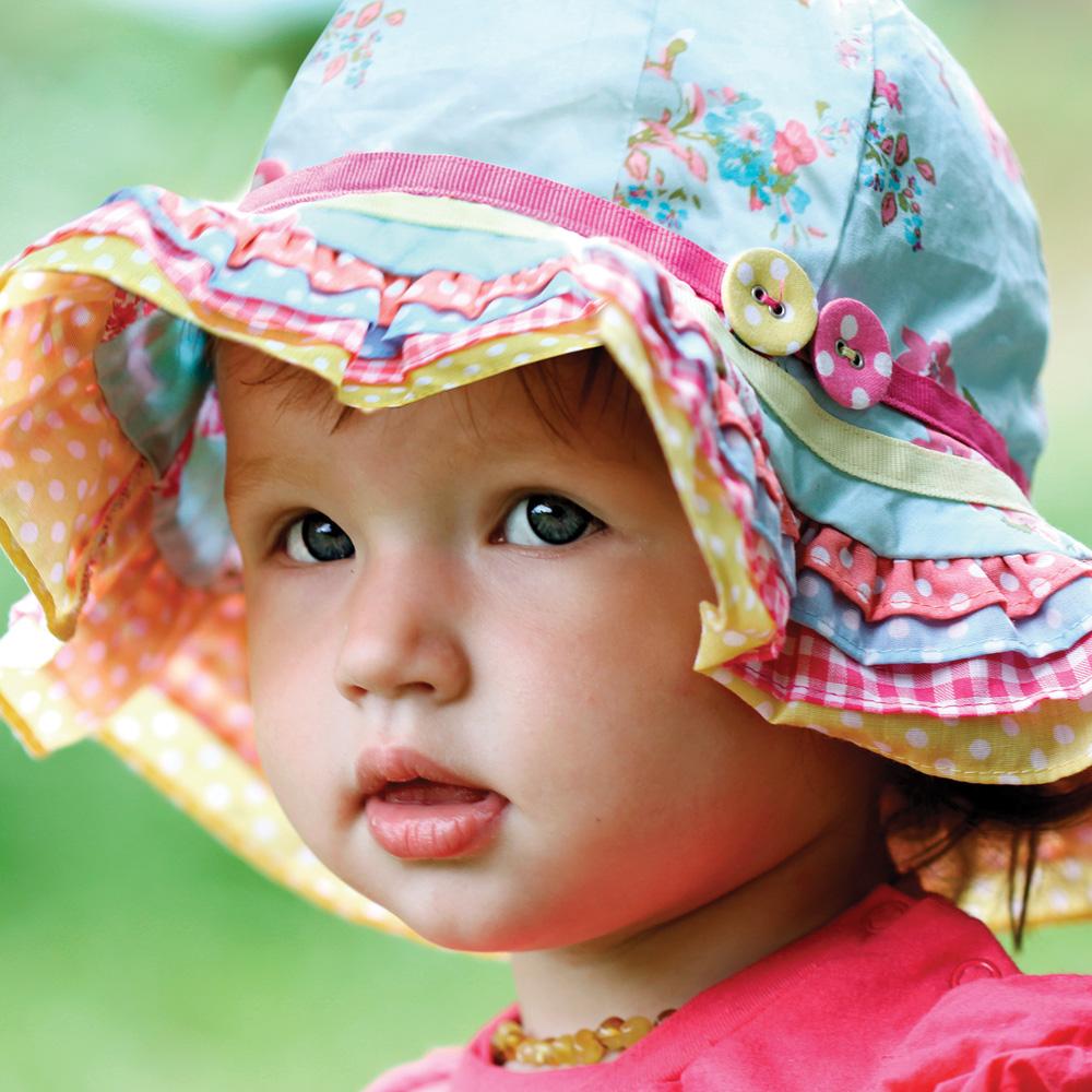 Comment protéger les enfants du soleil et des moustiques?