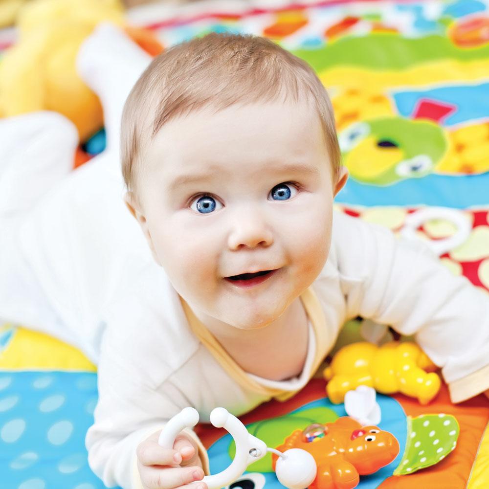 Comment stimuler bébé selon son âge?