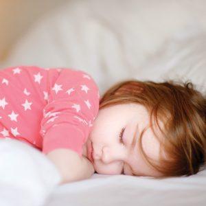 Quand arrêter la sieste du matin chez bébé?