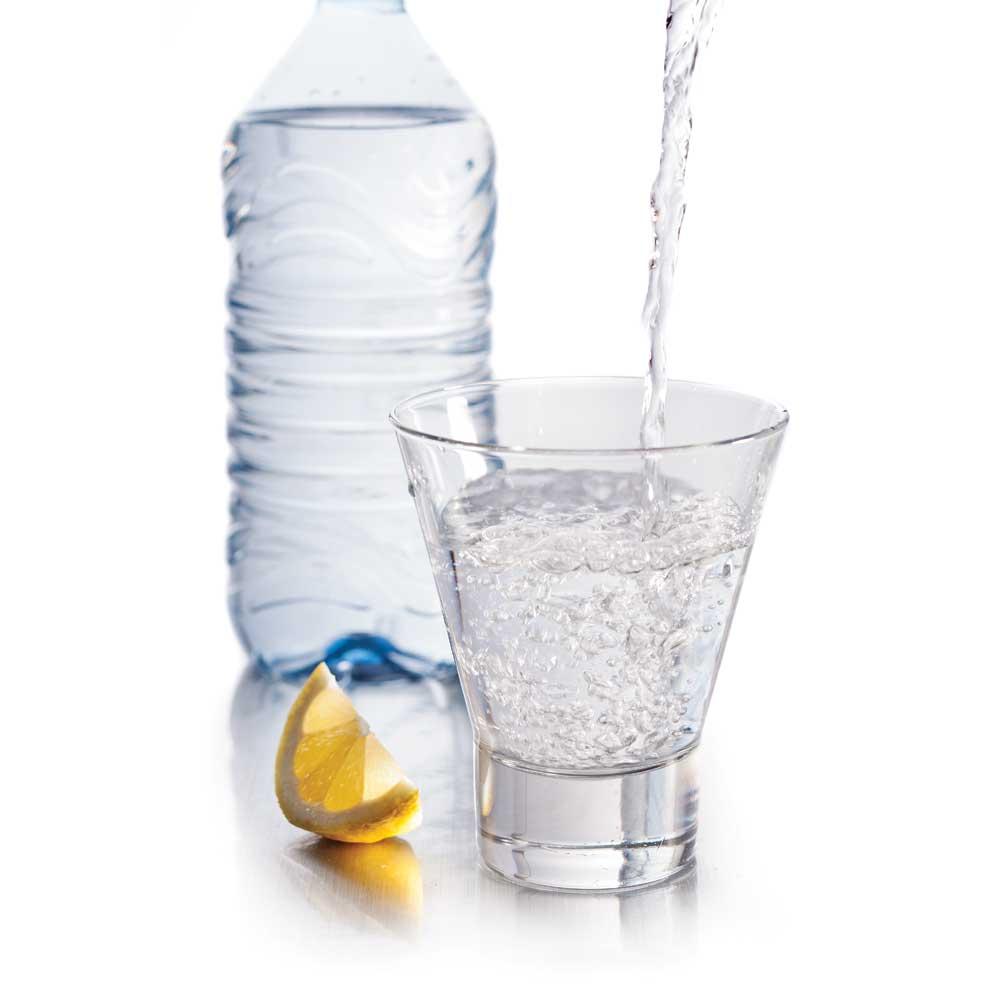 Mythe ou réalité? Il faut boire 1,5 litre d'eau par jour