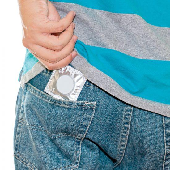 Contraception: comment en parler avec notre ado?
