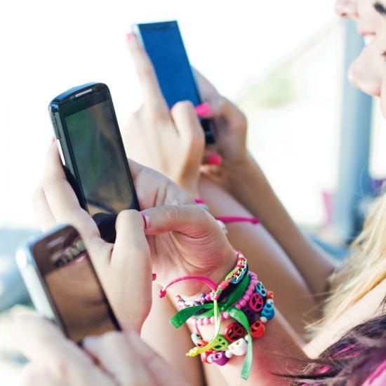 À quel âge acheter un cellulaire à son enfant?