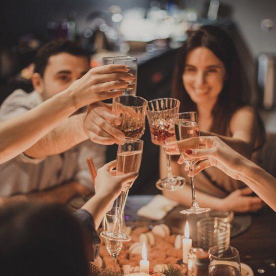 Comment organiser un événement sans risques chez soi?